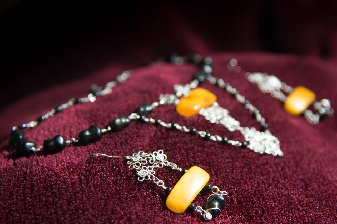 Juego de Aretes y Collar de ambar ruso y obsidianas en plata 9 25 Foto Wolfgang Kaufmann